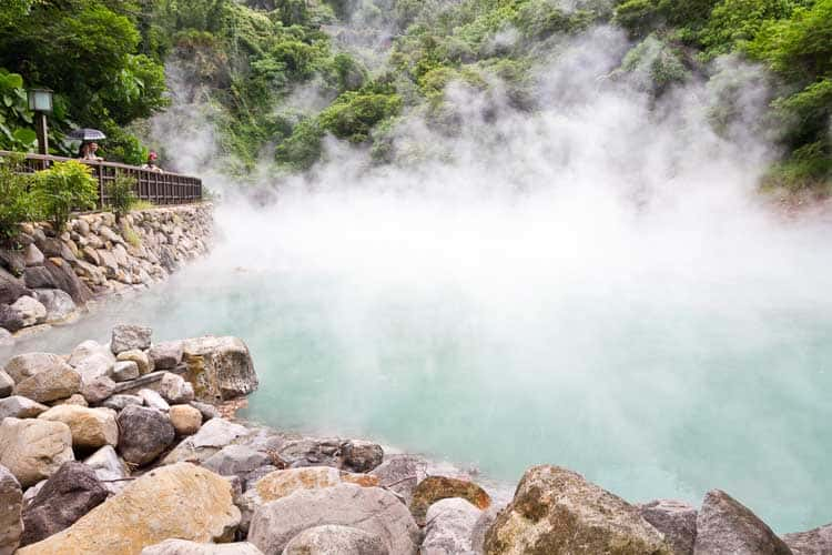 things to do in taiwan | beitou hot spring steaming