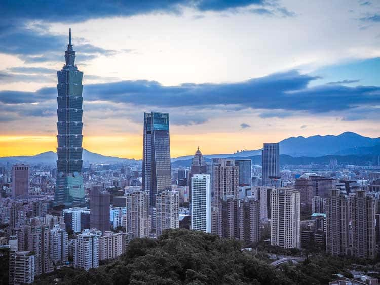 taiwan itinerary in 7 days | view of Taipei from elephant mountain