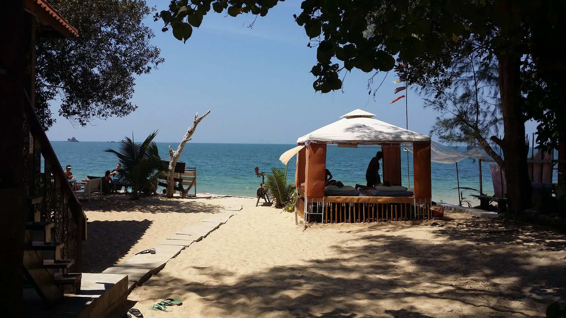 Thai Massage on Beach - pix