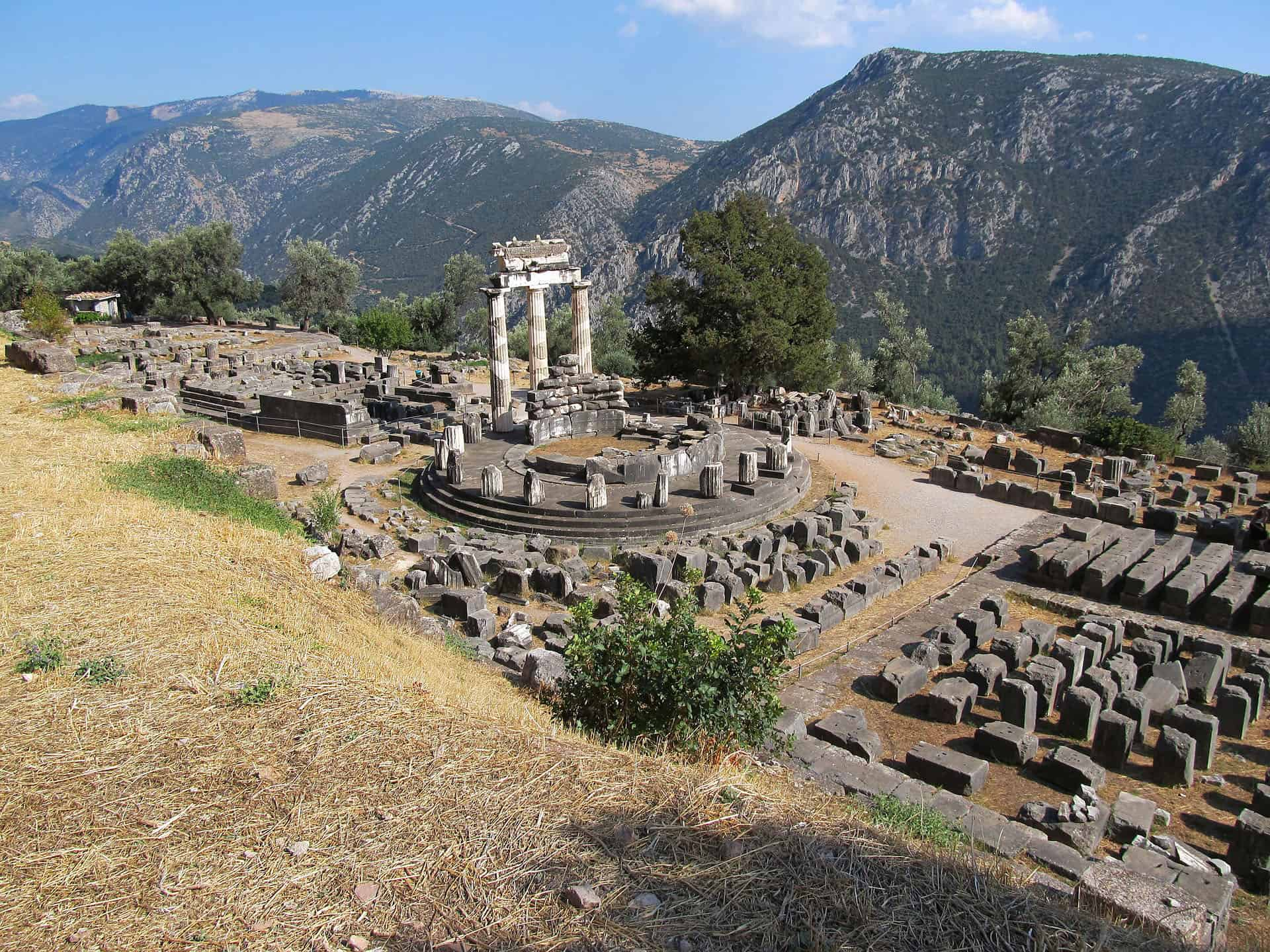 best historic place in greece - delphi