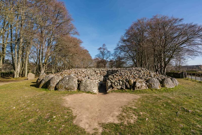 visit inverness clava cairns
