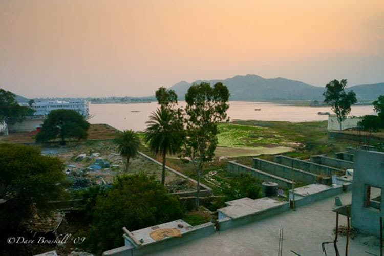 thigns to do in udaipur at night | rooftop patio