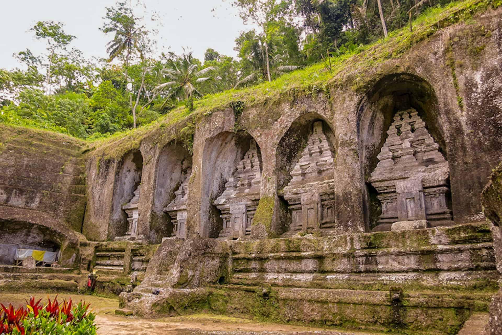cliff carvings of gunung kawi in bali