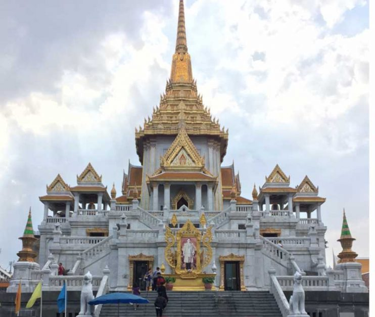 Wat Traimit gold buddha in Bangkoks Chinatown
