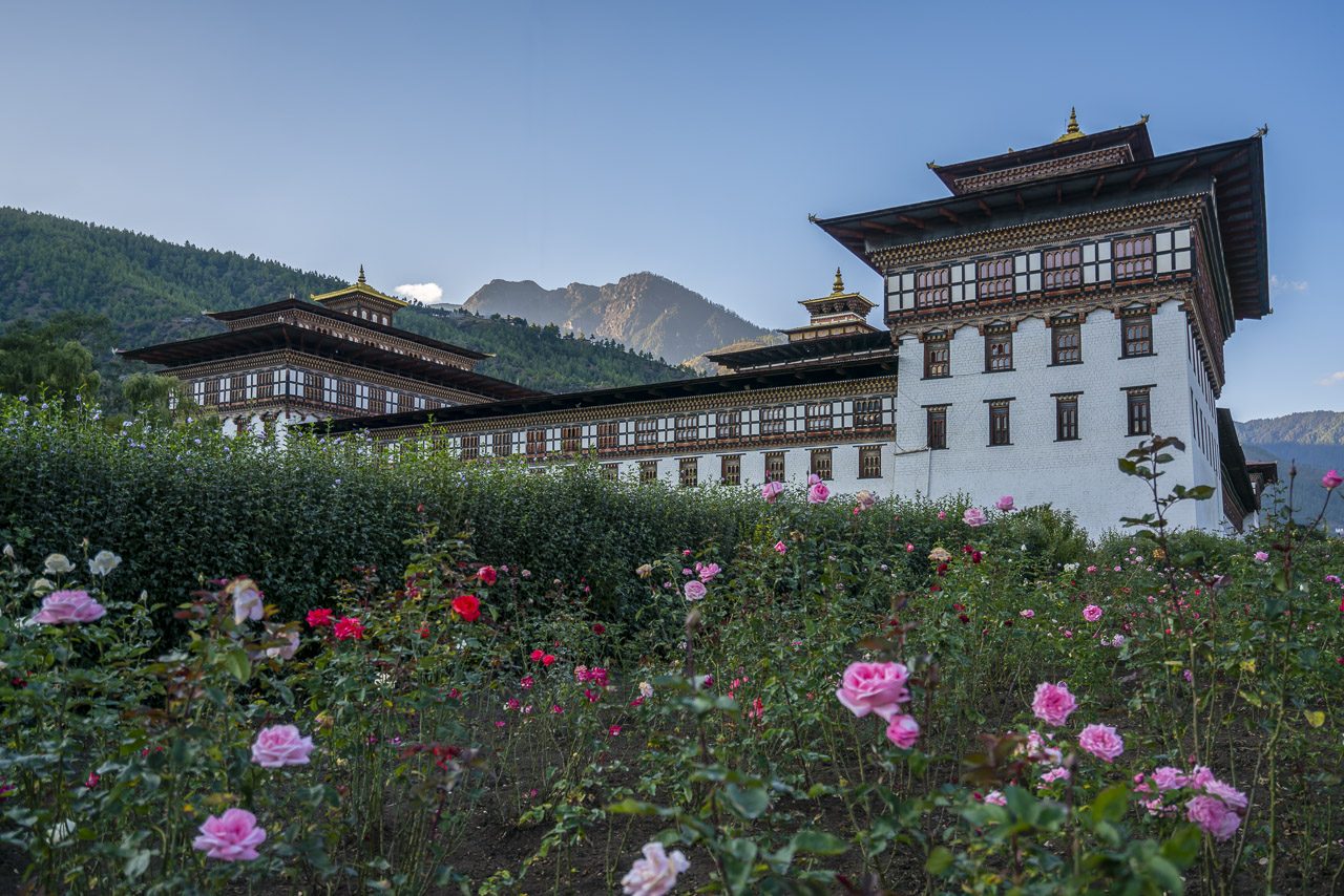 things to do in Bhutan Tashicho-Dzong