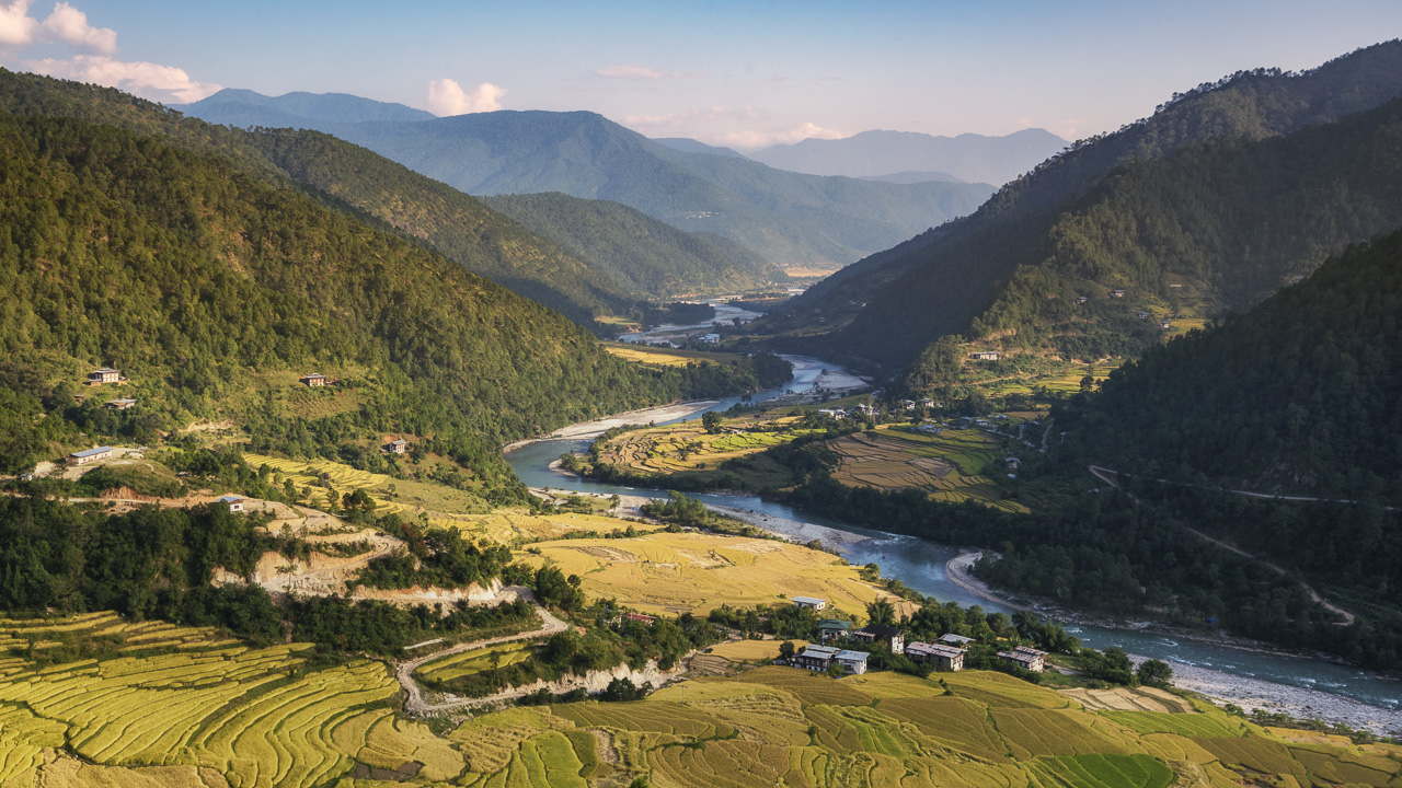 visit the valley of apro things to do in bhutan
