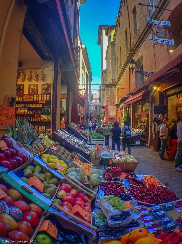 things to do in bologna markets