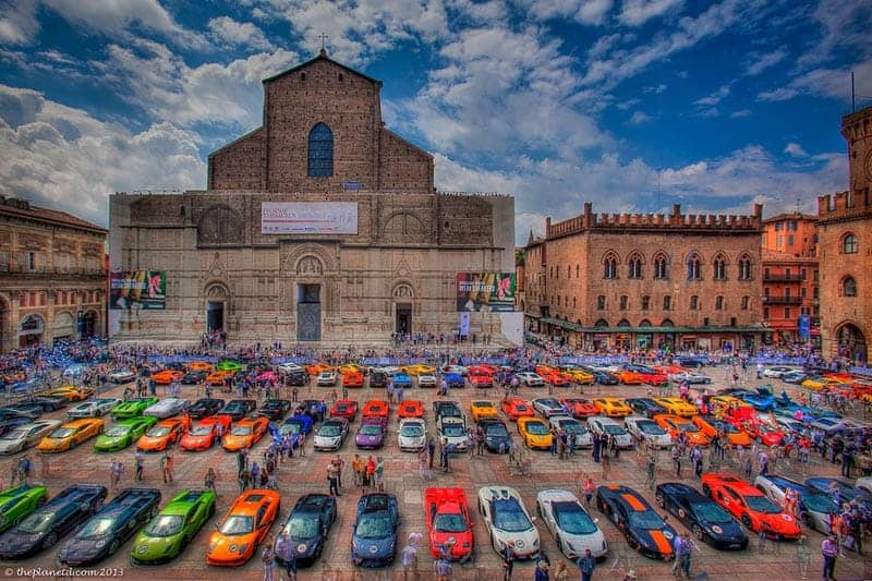 things to see in Bologna Piazza Maggiore