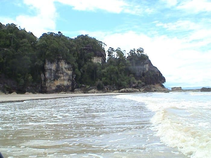 things to do in borneo beach