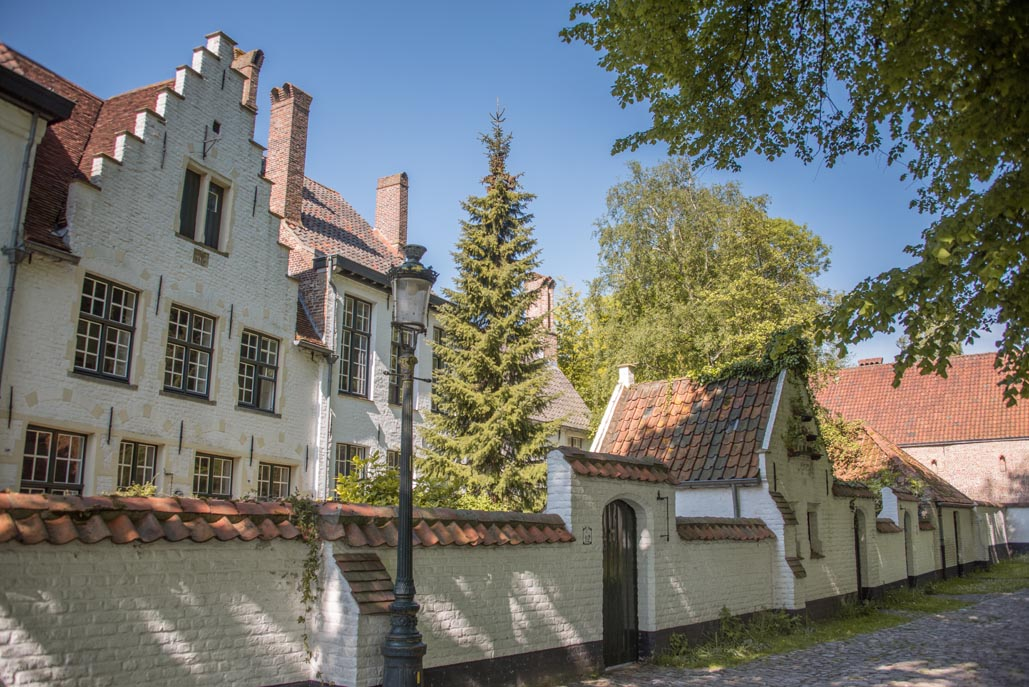 things to do in Brugge | Begijnhofs or Beguinages