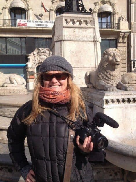 what to do in budapest walking tours