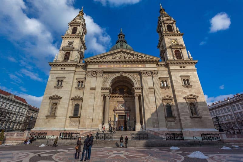 what to see in budapest st stephens basilica