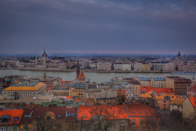 things to do in budapest featured image