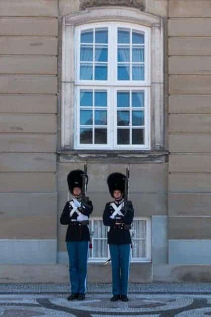 things to do in copenhagen changing guards
