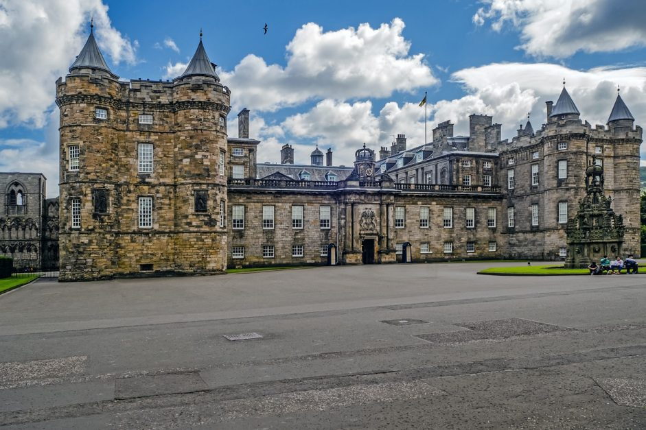 edinburgh sightseeing hollyrood palace