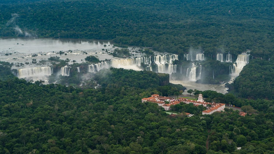 where to stay in iguazu falls belmont
