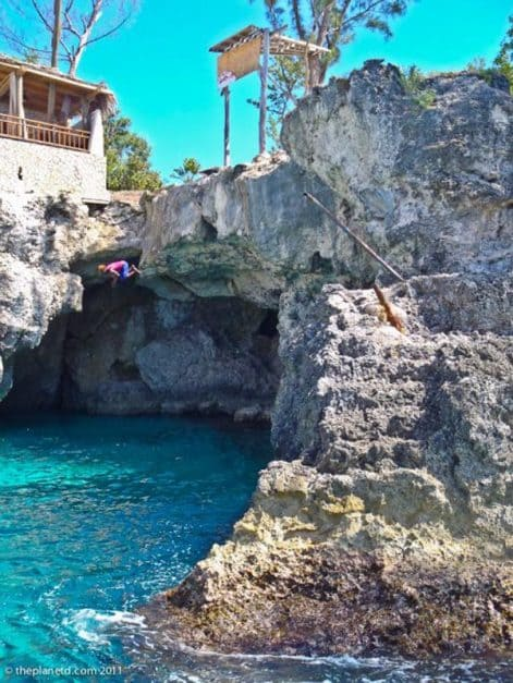 what to do in Jamaica cliff diving