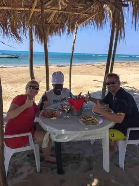 eat lunch on the beach what to do in jamaica