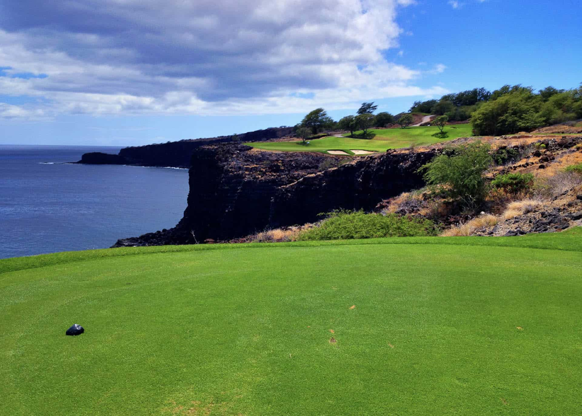 things to do on lanai - golfing
