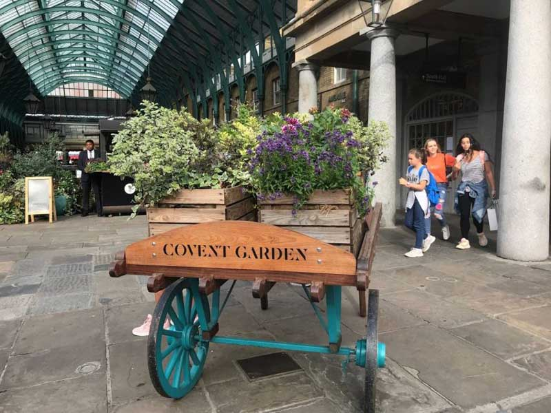 what to see in London Covent Garden wagon with flowers