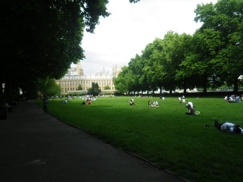 free things to do in london walk in St. James Park