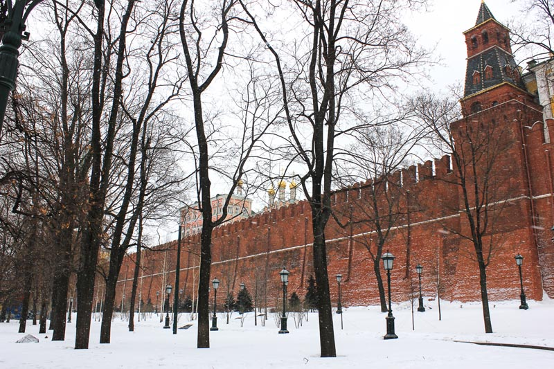 things to do in red square moscow | moscow kremlin wall
