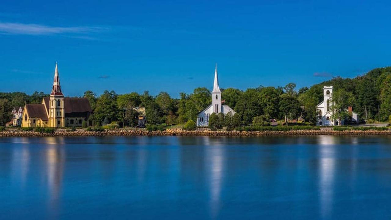what to do in nova scotia mahone bay