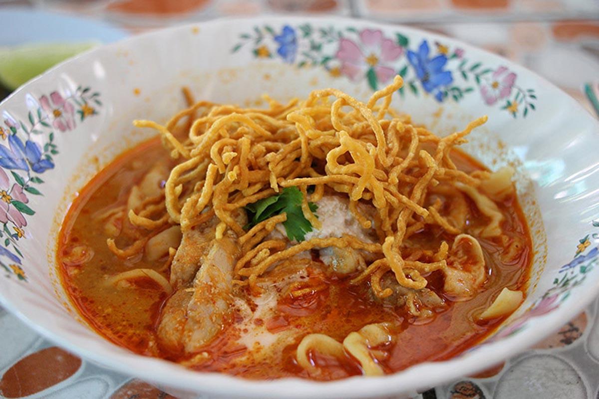 pai thailand things tod on khoa soi