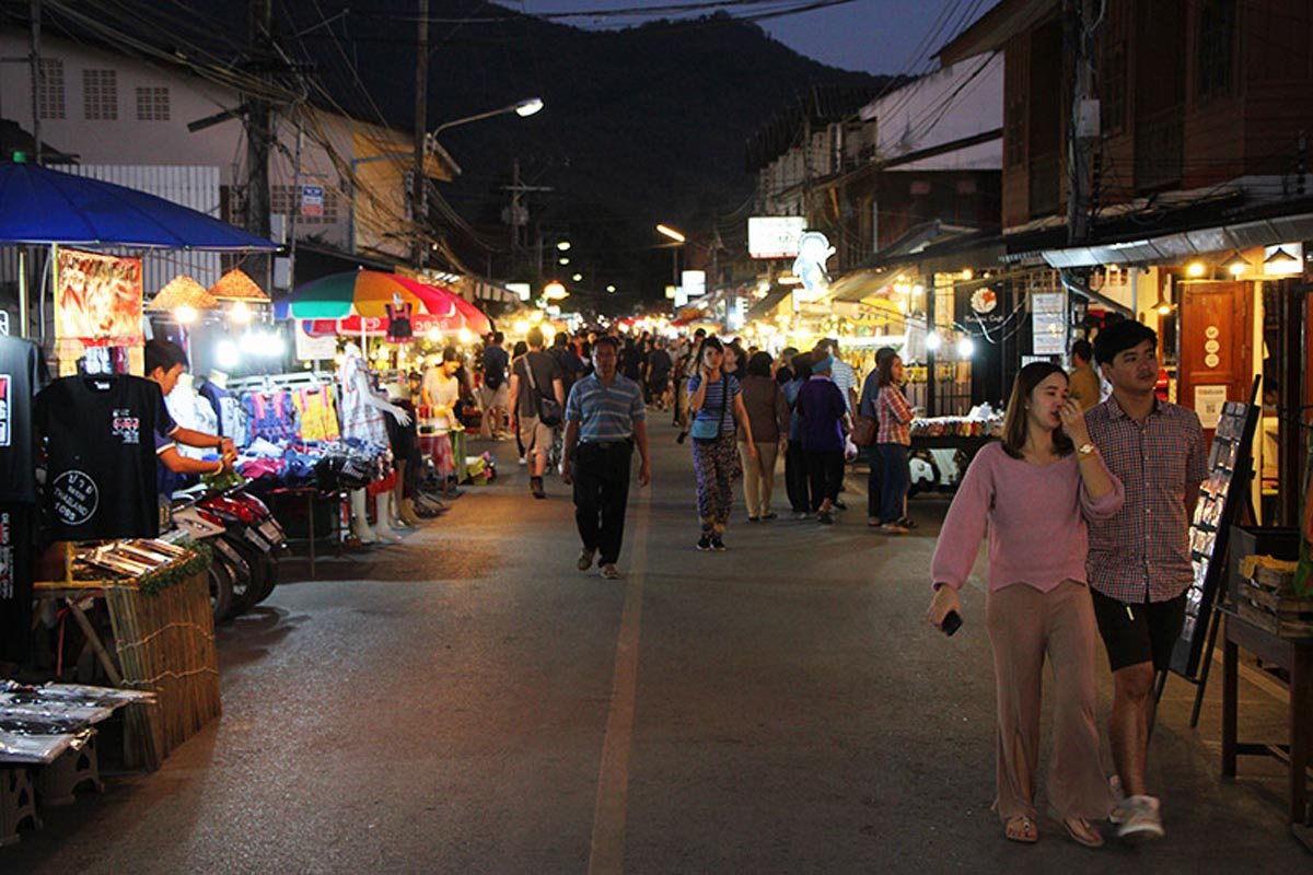 what to see in pai walking street