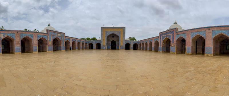что делать в пакистанской мечети Сан Джахан