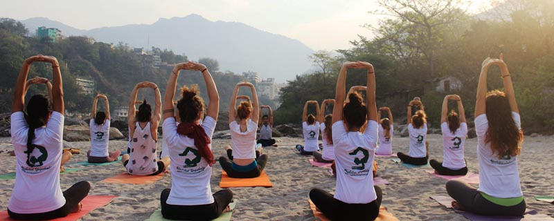 things to do in rishikesh yoga
