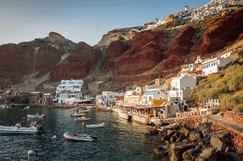 what to see in santorini | amoudi bay