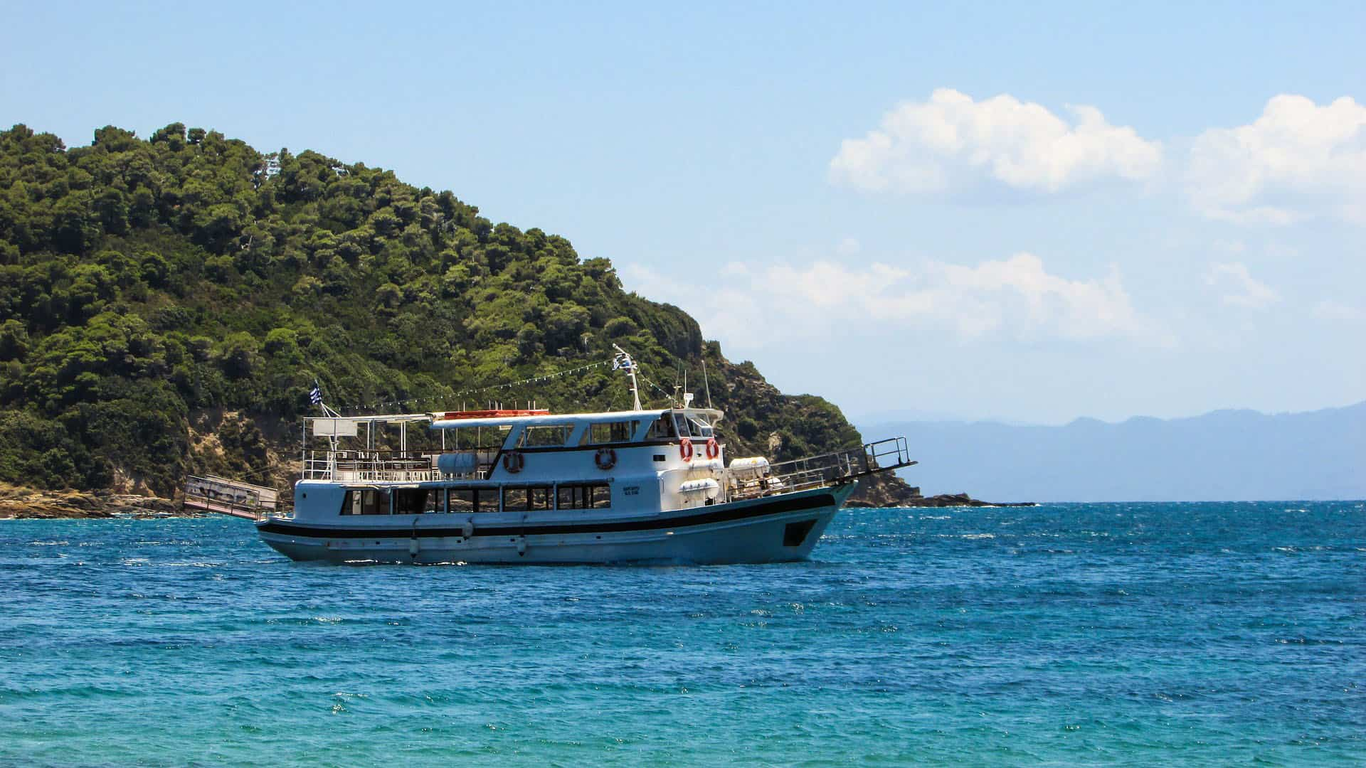 what to do in skiathos - boat tour