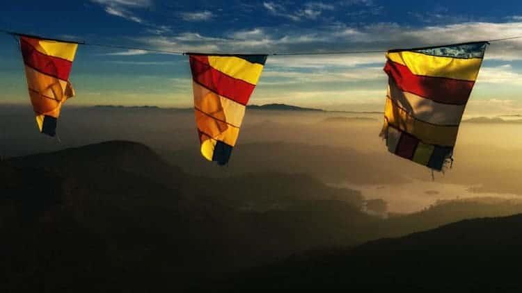 adams peak pilgrimage mountains | places to visit in sri lanka