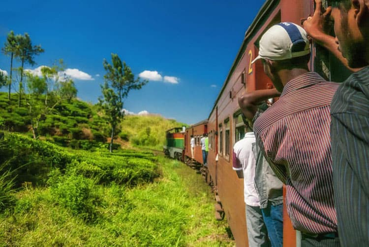 things to do in sri lanka | ride the trains