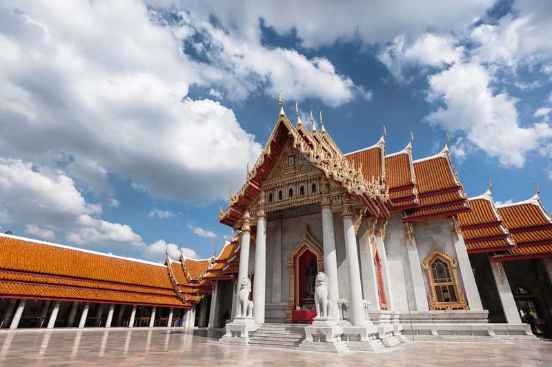 visit the Grand palace in Thailand