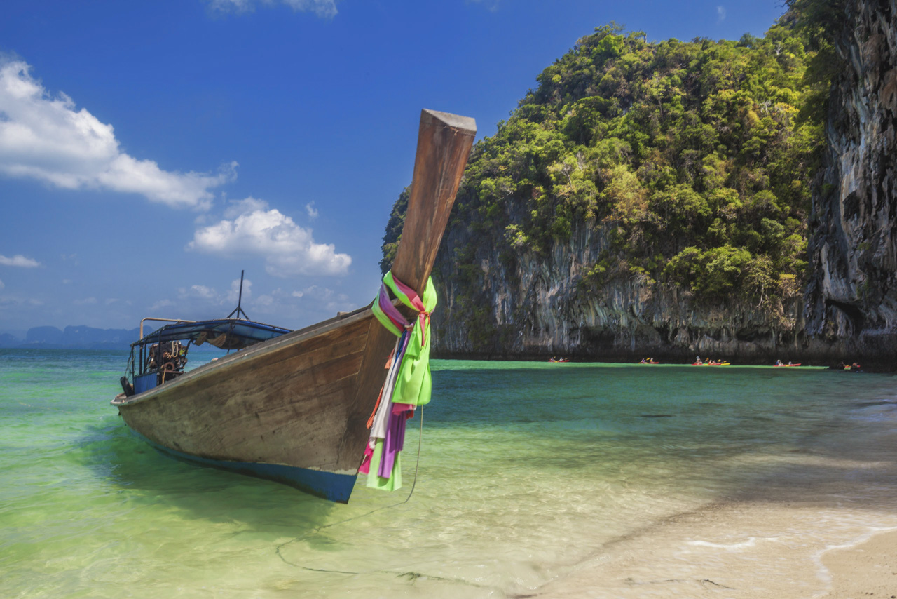 thailand what to do | longtail boat on beach
