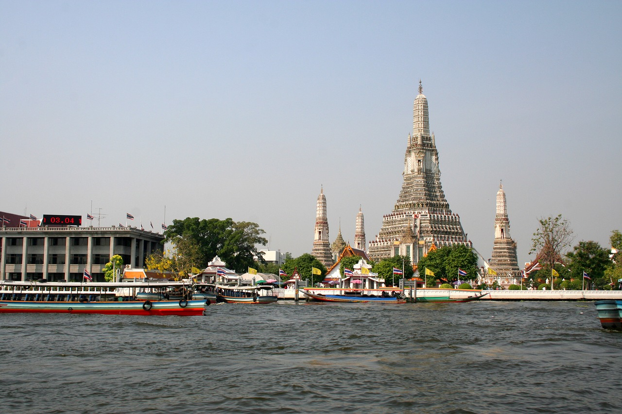 must do things in Thailand | Chao Phraya River