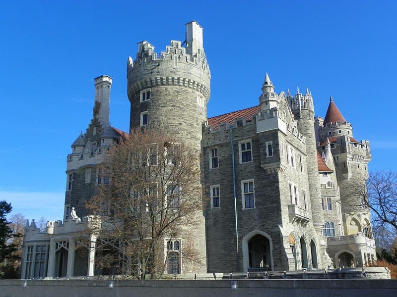 what to see in toronto casa loma