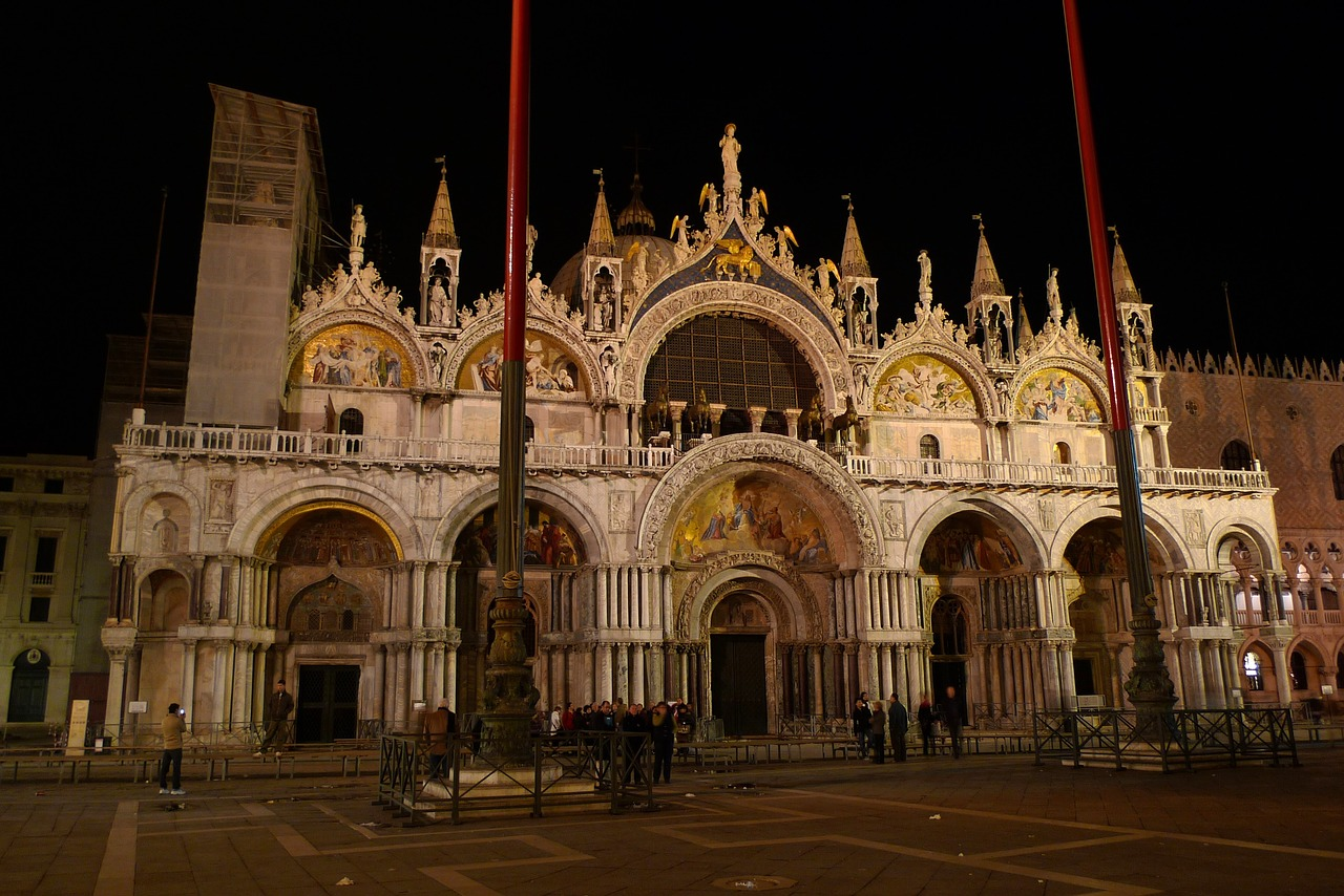 things to do in venice saint marks square