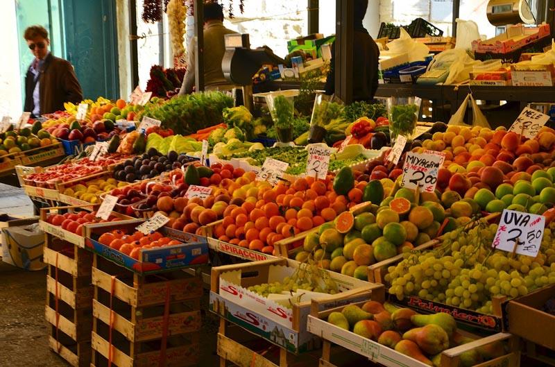 venice sightseeing | rialto market souvenirs