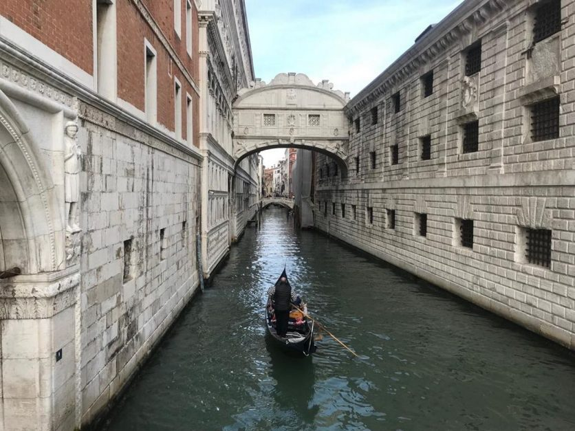 venice points of interest | bridge of sighs