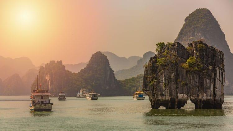 best things to do in vietnam blog | ha long bay