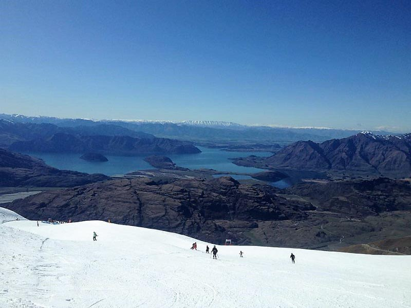 things to do in wanaka skiing