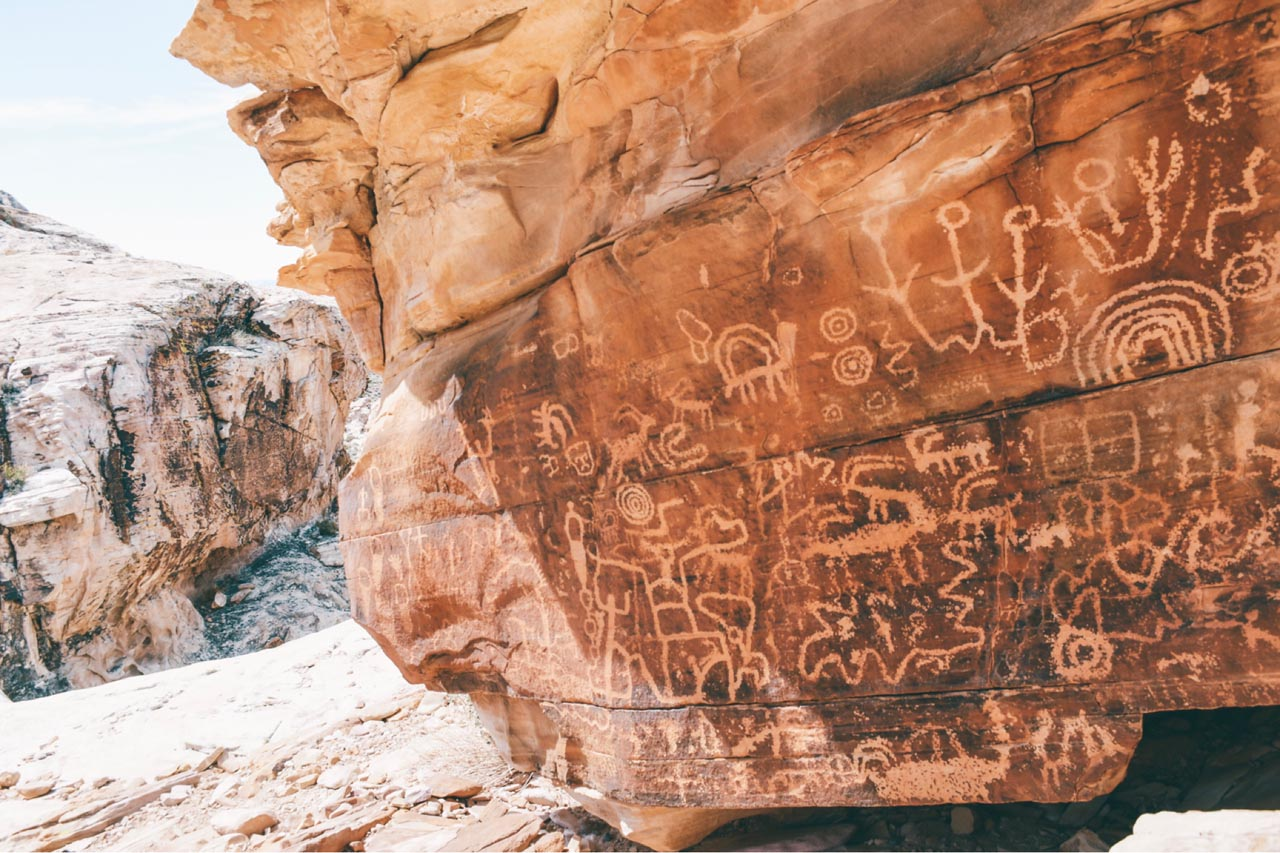 las vegas nearby attractions petroglyphs