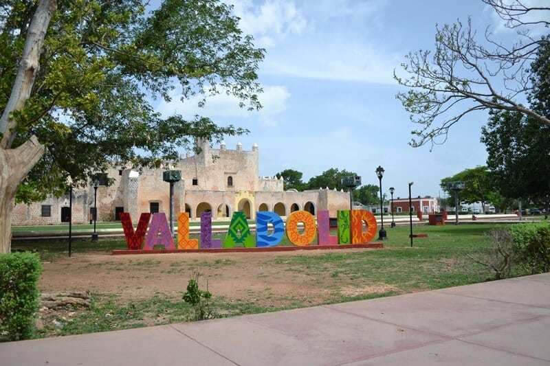 where to stay in Yucatan Mexico Valladolid sign