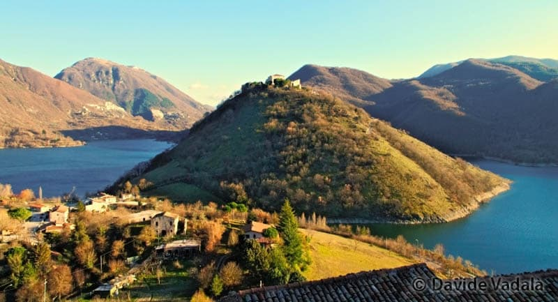 things-to-do-outside-rome-Lago-del-Turano