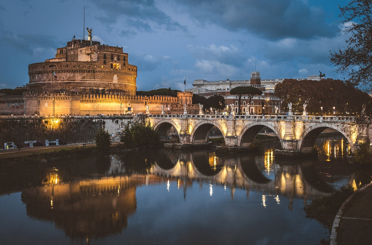 Of all the things to do in Rome visiting Castel Sant'Angelo is a must.