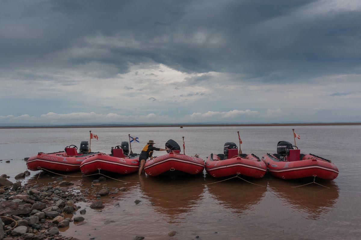 tidal bore rafting nova scotia boats