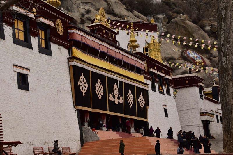 sera monastery lhasa tibet